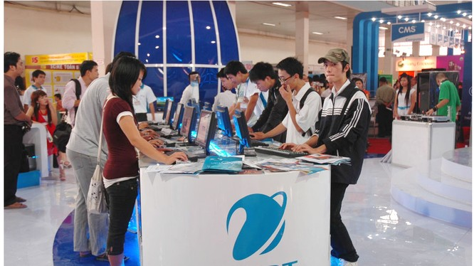 Trong buổi làm việc với VNPT tháng 8/2016, Thủ tướng Nguyễn Xuân Phúc cho rằng, VNPT đã tiến hành tái cơ cấu để tập trung thống nhất, áp dụng biện pháp quản trị doanh nghiệp tốt, chất lượng dịch vụ nâng lên, hiệu quả sản xuất kinh doanh được nâng lên, vốn