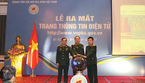 rung tâm Gìn giữ hòa bình Việt Nam tổ chức Lễ ra mắt Trang thông tin điện tử trên internet.