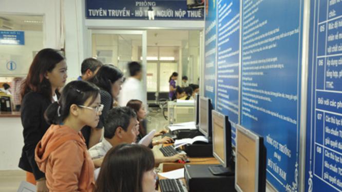 Các doanh nghiệp đăng ký thông tin qua mạng (ảnh minh hoạ)