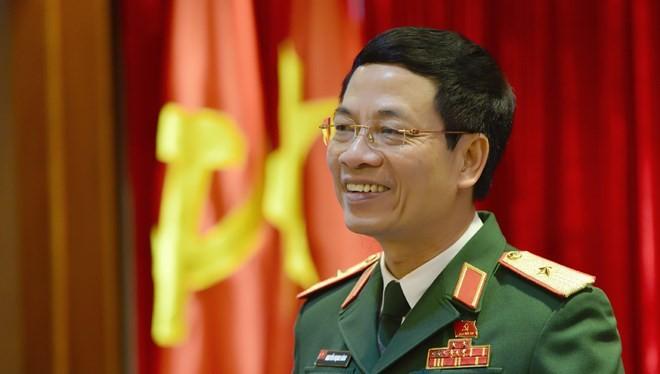 """Thiếu tướng Nguyễn Mạnh Hùng cho biết, Viettel ra nước ngoài thành công một phần cũng bởi có sức mạnh của """"người không có gì."""" (Ảnh: Lê Mai)"""