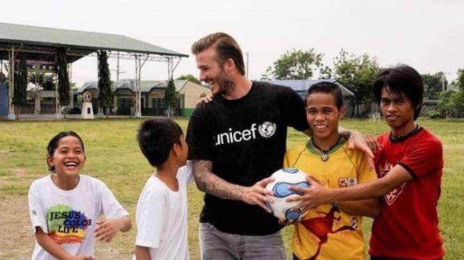 Beckham đã quyết định từ chối đề nghị này của kẻ tống tiền vào báo cho cảnh sát.