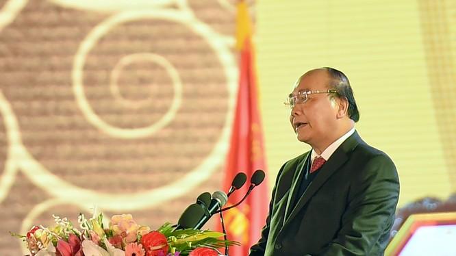 Theo Thủ tướng, Bắc Ninh phải trở thành hình mẫu độc đáo về tư duy phát triển thịnh vượng dựa trên kinh tế tri thức, các mô hình sáng tạo, đột phá và sức mạnh tiềm ẩn của chiều sâu văn hóa.