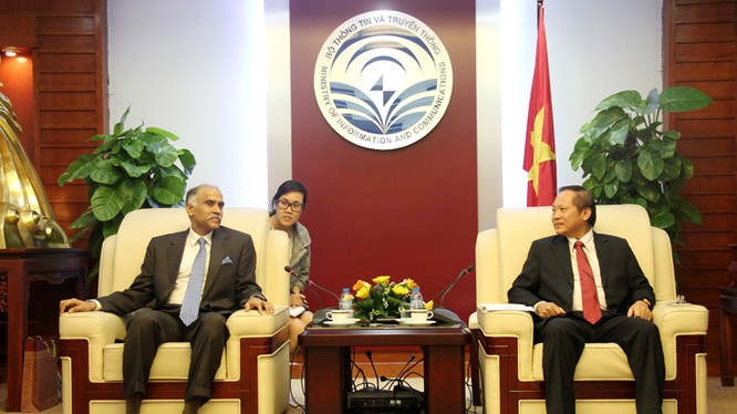 Bộ trưởng Trương Minh Tuấn tiếp ông Parvathaneni Harish - Đại sứ Ấn Độ tại Việt Nam.