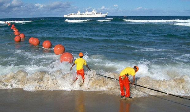 Tuyến cáp quang biển Liên Á được vận hành từ tháng 11/2009 với tổng chiều dài là 6.800km, kết nối Singapore, Việt Nam, Philippines, Hong Kong và Nhật Bản. Ảnh minh hoạ: Internet