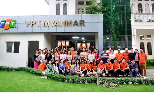 Những thành viên của FPT Myanmar. Ảnh: Chungta.vn