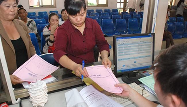 Thay vì phải nộp hồ sơ trực tiếp, người dân có thể gửi phản ánh, kiến nghị tới các cơ quan chính phủ qua hệ thống http://nguoidan.chinhphu.vn. Ảnh minh hoạ: Internet.