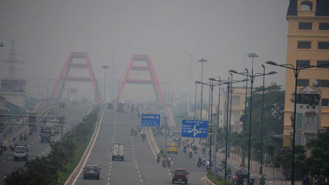 Kết quả quan trắc về mức độ ô nhiễm không khí và nguồn nước ở TP.HCM sẽ được công bố trên bảng điện tử và điện thoại để người dân cùng giám sát. Ảnh minh hoạ: Internet