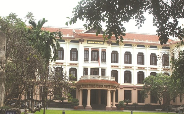 Bảo tàng Mỹ thuật Việt Nam, nơi lưu giữ một số bảo vật quốc gia và nhiều tác phẩm mỹ thuật nổi tiếng.