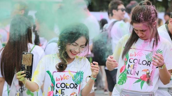 Năm nay, sự kiện Color Me Run có sự hiện diện của nhà mạng Vietnamobile và MOOV (ứng dụng âm nhạc trực tuyến hàng đầu của Hong Kong) với tư cách là hai nhà đồng tài trợ đã làm cho sức nóng của Color Me Run được đẩy lên hơn bao giờ hết!