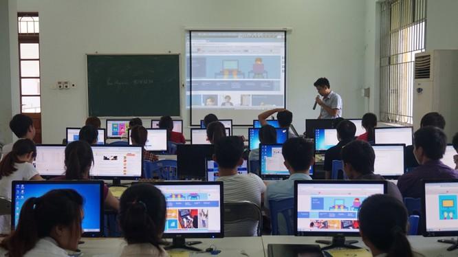 Tham gia khóa đào tạo, các học viên được cung cấp những thông tin mang tính chất định hướng nghề nghiệp cho bản thân trong tương lai. Ảnh minh hoạ: Internet.