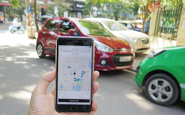 Các hãng taxi truyền thống cho rằng Uber, Grab đang cạnh tranh thiếu lành mạnh, phá giá thị trường. Ảnh minh hoạ: Internet