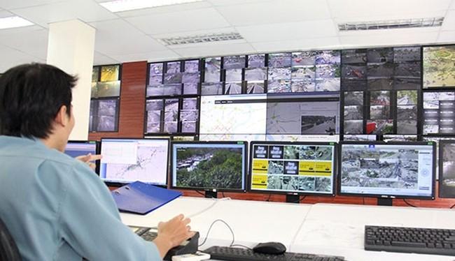 Giao thông vận tải đứng đầu danh sách các vấn đề cần cải thiện trên khắp các thành phố ở châu Á Thái Bình Dương theo một cuộc khảo sát gần đây của Microsoft. 70% người tin rằng công nghệ là một chất xúc tác cho các điều kiện sống tốt hơn (Ảnh chụp Trung t
