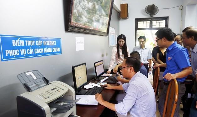 Tính đến thời điểm đầu tháng 7/2017, Thành phố đã triển khai 81/96 dịch vụ công trực tuyến, đạt 84,4%. Ảnh: Hanoi.gov.vn