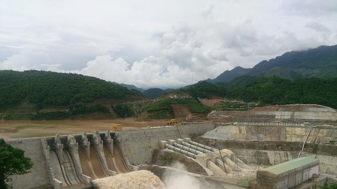 Tại Việt Nam, các nhà máy thủy điện chiếm khoảng một nửa trên tổng công suất phát điện hiện hữu là 34GW. Ảnh: M.T