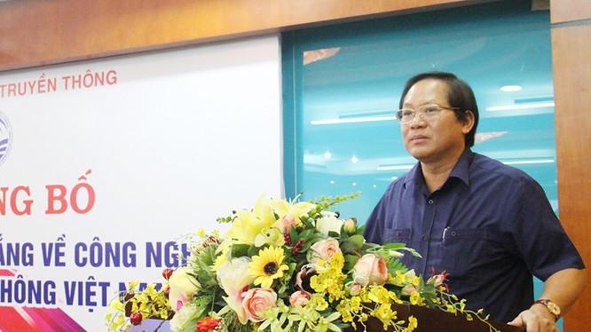 Bộ trưởng Bộ TT&TT Trương Minh Tuấn phát biểu tại Lễ công bố phát hành Sách Trắng CNTT-TT Việt Nam năm 2017. Ảnh: T.A