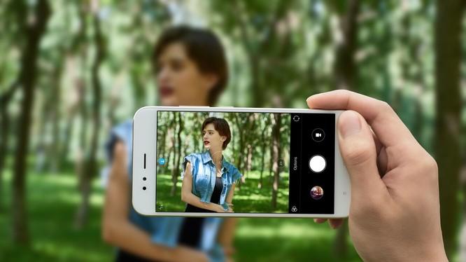 Mi A1 là chiếc điện thoại Android One đầu tiên của Xiaomi. Ảnh: MC.