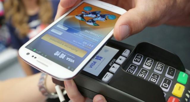 Chủ thẻ Visa thuộc các ngân hàng Vietinbank, Citibank và Shinhan Bank Việt Nam có thể cài đặt Samsung Pay trên điện thoại Samsung. Ảnh minh hoạ: Cnet