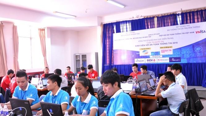 """Cuộc thi quốc gia """"SV với An toàn thông tin"""" 2016 tại Đà Nẵng. Ảnh: VNISA"""