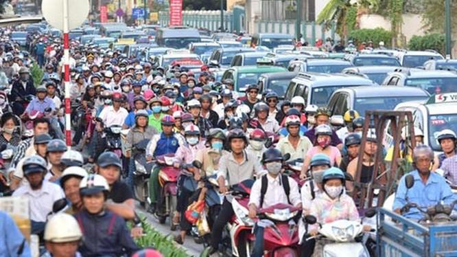 Nền kinh tế châu Á chịu thiệt hại ước tính lên đến 2-5% tổng sản phẩm quốc nội của mỗi quốc gia do tổn thất về thời gian và chi phí giao thông. Ảnh: UBND TP.HCM.