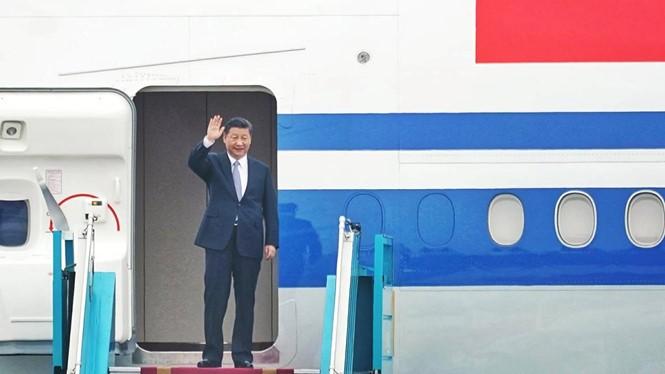 Tổng bí thư, Chủ tịch nước Trung Quốc Tập Cận Bình đã đến Hà Nội, bắt đầu chuyến thăm cấp Nhà nước tới Việt Nam. Ảnh: Thanh Niên