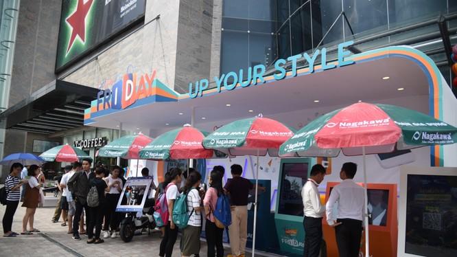 Hoạt động Big-off tại sự kiện Online Friday mùa Thu diễn ra vào ngày 29/9 vừa qua tại Vincom Nguyễn Chí Thanh. Ảnh: L.Phương
