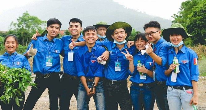 Bài thi mô tả việc quản lý quỹ chi tiêu eo hẹp trong chuyến đi tình nguyện của SV Vũ Minh Chiến - ĐH Bách Khoa Hà Nội đạt giải nhất.