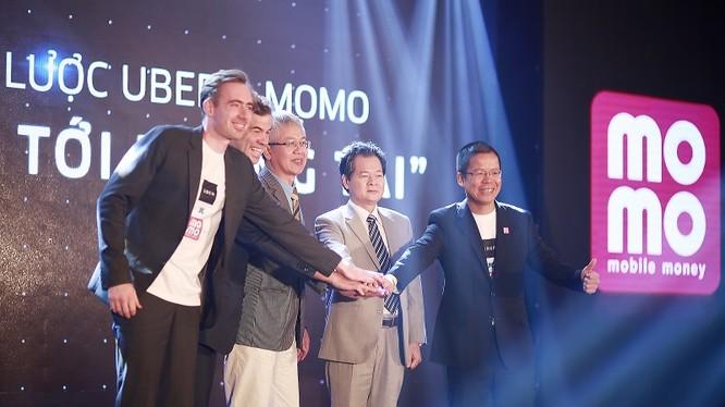 Từ nay, người dùng có thể đặt xe Uber, thanh toán ngay trên ứng dụng ví điện tử MoMo, Ví điện tử MoMo sẽ trở thành một trong ba phương thức thanh toán chính của dịch vụ Uber tại Việt Nam