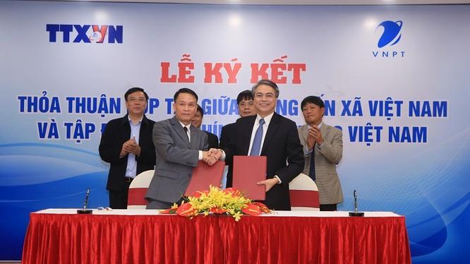 VNPT ký kết Thỏa thuận hợp tác với Thông tấn xã Việt Nam. Ảnh: T.Quỳnh