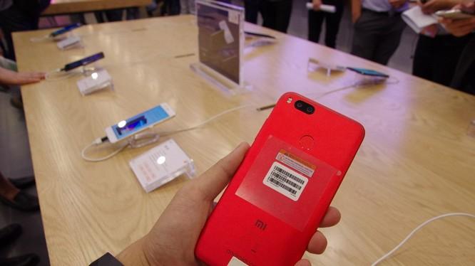 Mi A1 phiên bản màu đỏ.
