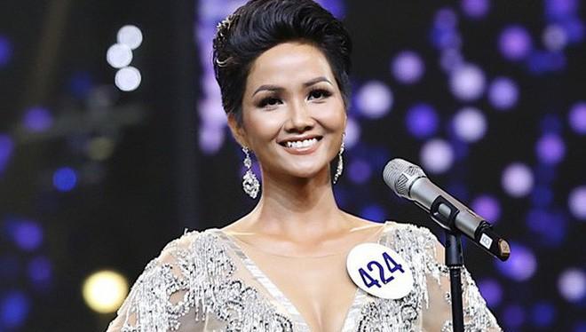 Cô gái người Ê đê - H'Hen Niê vừa đăng quang Hoa hậu Hoàn vũ Việt Nam 2017. Ảnh: HHHVVN