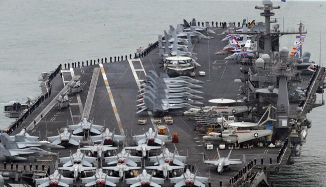 Bộ Ngoại giao Việt Nam cho biết đang trao đổi với Mỹ về thời điểm chuyến thăm của tàu sân bay Mỹ trong năm nay. Ảnh: REUTERS