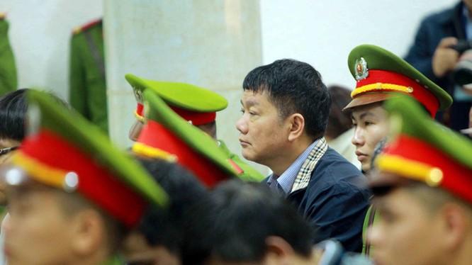 Bị cáo Đinh La Thăng tại phiên tuyên án sáng nay (22/1).