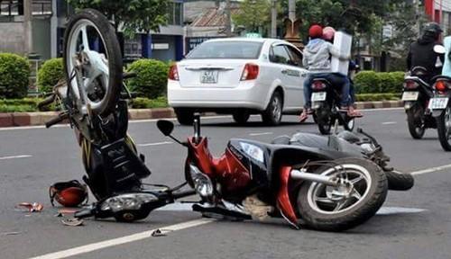 Trong 7 ngày nghỉ Tết Nguyên đán Đinh Dậu năm 2017 (từ 26/1 đến 1/2), toàn quốc xảy ra 368 vụ tai nạn giao thông (TNGT), làm chết 203 người, bị thương 417 người. Ảnh minh họa: Tổng cục giao thông đường bộ.