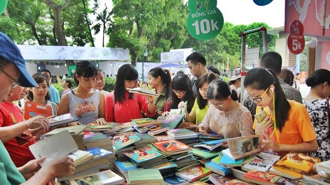 Cuộc thi lần đầu tiên được tổ chức trong năm 2016, đã nhận được hơn 10.000 bài dự thi cả tiếng anh và tiếng Việt. Ảnh minh họa: VICC