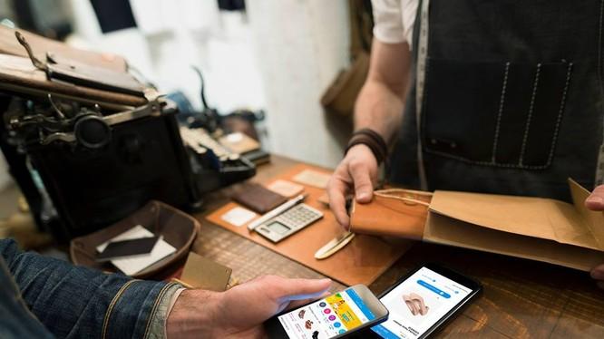 Các chủ bán hàng trên Zalo Shop khi sử dụng dịch vụ giao hàng và thu tiền của Shipchung đồng bộ trực tiếp trên Zalo Shop sẽ được giảm giá 30% phí vận chuyển trong tháng 3 và tháng 4/2018. Ảnh: Zalo