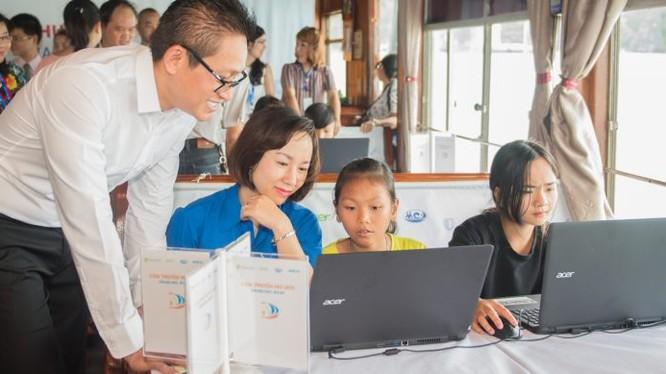 Chương trình hướng đến mục tiêu cung cấp kiến thức và kỹ năng giúp học sinh không những sử dụng công nghệ thành thạo mà còn có thể tạo ra công nghệ. Ảnh: Microsoft.