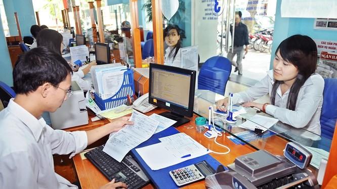 Chính phủ yêu cầu các bộ, ngành, UBND cấp tỉnh gắn kết chặt chẽ việc xây dựng Chính phủ điện tử, chính quyền điện tử với cải cách thủ tục hành chính.