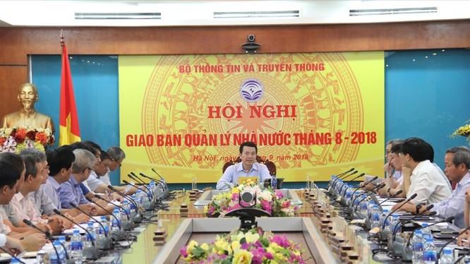 Quyền Bộ trưởng Nguyễn Mạnh Hùng phát biểu kết luận Hội nghị giao ban quản lý nhà nước tháng 8/2018.