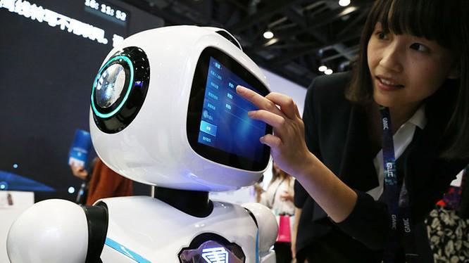 Robot trong một triển lãm về trí tuệ nhân tạo tại Bắc Kinh, Trung Quốc. Nguồn: China daily
