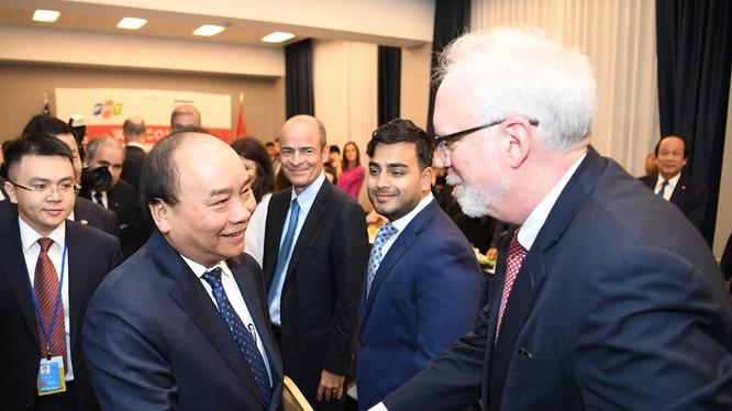 Thủ tướng khẳng định Việt Nam luôn sẵn sàng ủng hộ các doanh nghiệp, nhà đầu tư nước ngoài kinh doanh tại Việt Nam.