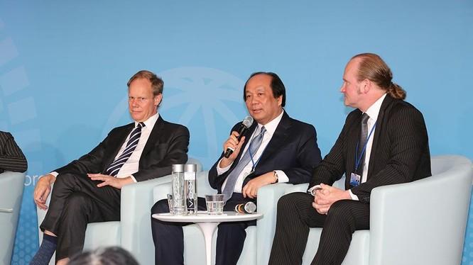 Bộ trưởng, Chủ nhiệm Văn phòng Chính phủ Mai Tiến Dũng phát biểu tại Hội nghị