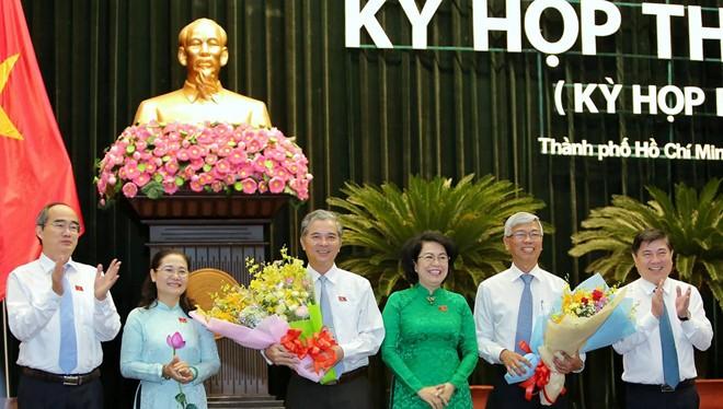 Lãnh đạo TPHCM chúc mừng 2 tân Phó Chủ tịch UBND TPHCM