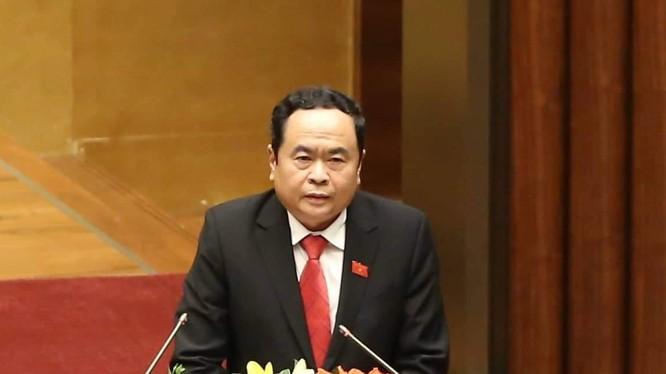 Chủ tịch MTTQ Việt Nam Trần Thanh Mẫn trình bày báo cáo.