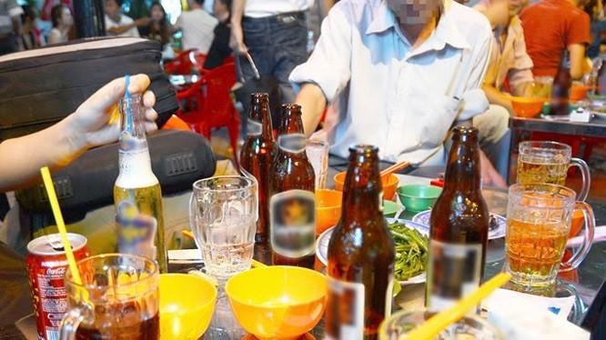 ĐBQH đề nghị cần giảm thiểu sử dụng rượu bia để tránh việc người sử dụng rượu bia vướng vào vòng lao lý, không kiểm soát và ai cũng trở thành phạm nhân hay tội phạm.