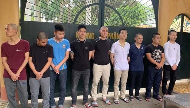 9 nghi phạm trong đường dây đánh bạc qua mạng này bị bắt giữ. Ảnh: Công an cung cấp.