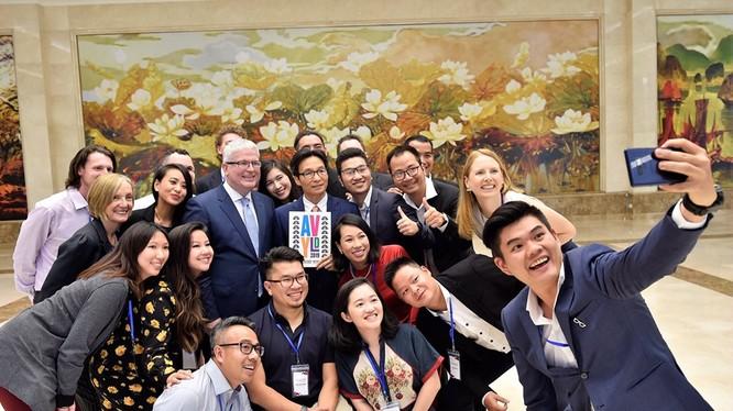 Phó Thủ tướng Vũ Đức Đam và các thành viên Diễn đàn Lãnh đạo trẻ Việt - Úc.
