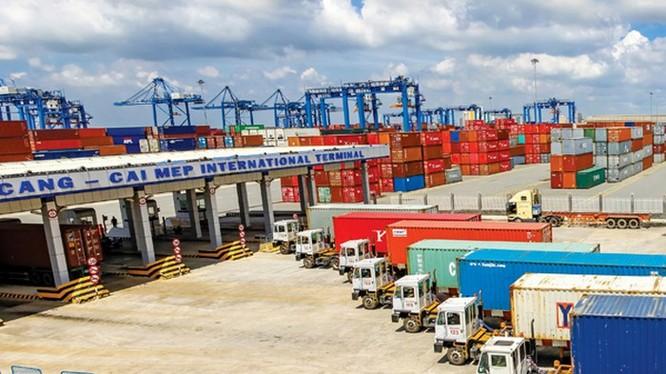 Cảng biển là mắt xích trung tâm để kết nối các phương thức vận tải (Trong ảnh: Cảng Cái Mép, tỉnh Bà Rịa - Vũng Tàu).