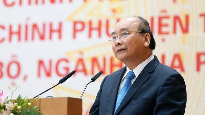 Thủ tướng nhận xét các bộ đã hoàn thành 7/83 nhiệm vụ được giao trong khi Nghị quyết mới ban hành được 3 tháng rưỡi.