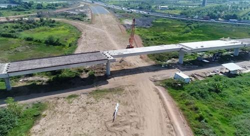 Dự án đường cao tốc Trung Lương - Mỹ Thuận sau thời gian tạm ngưng đang được tái khởi động.