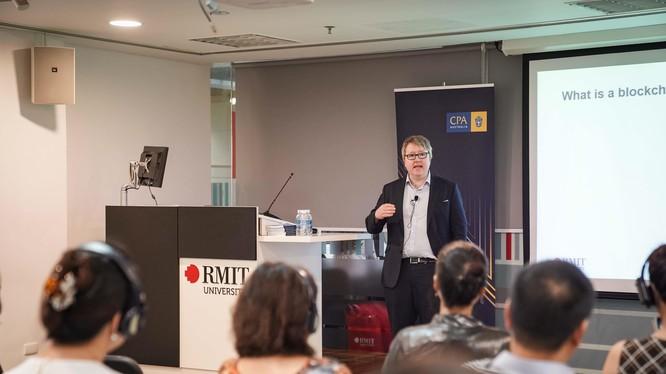 Tiến sĩ Chris Berg - Đại học RMIT Úc.